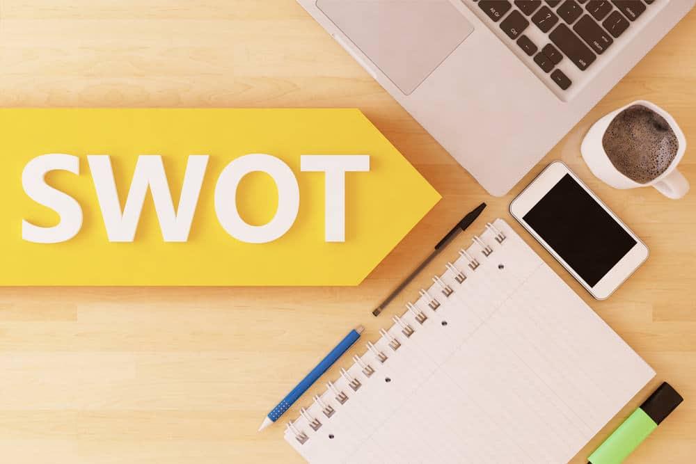 Bij Loopbaanexpert zitten we samen aan tafel voor jouw SWOT-analyse